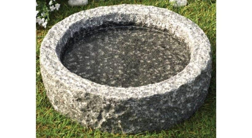 Fuglebad i granit