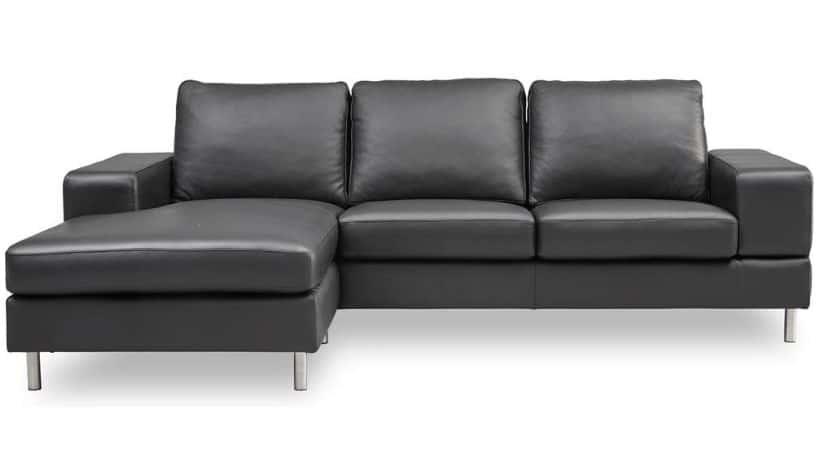 Sort lædersofa med bred chaiselong